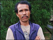 கிராமத் தலைவர் (படம்:BBC)